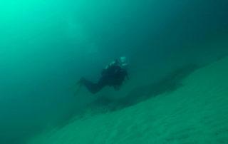 diver_floating